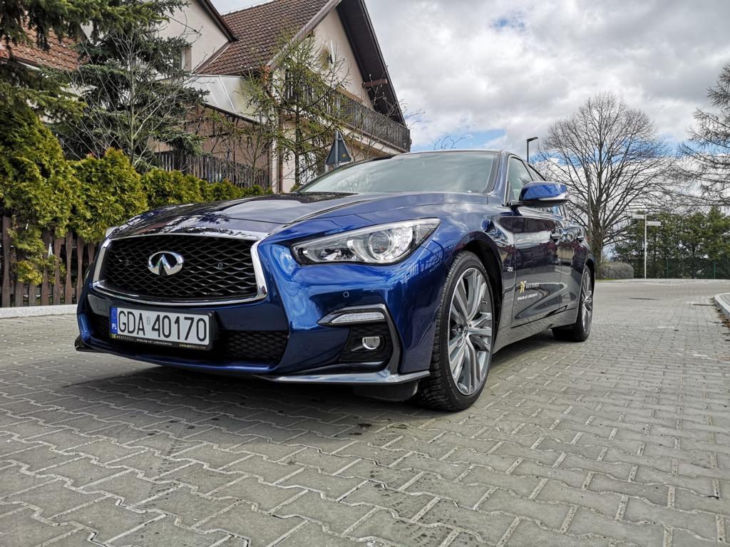 Infiniti Q50 Sport navy blue - Luxury Car Rental Mestenza Tricity Rafał Grzebin
