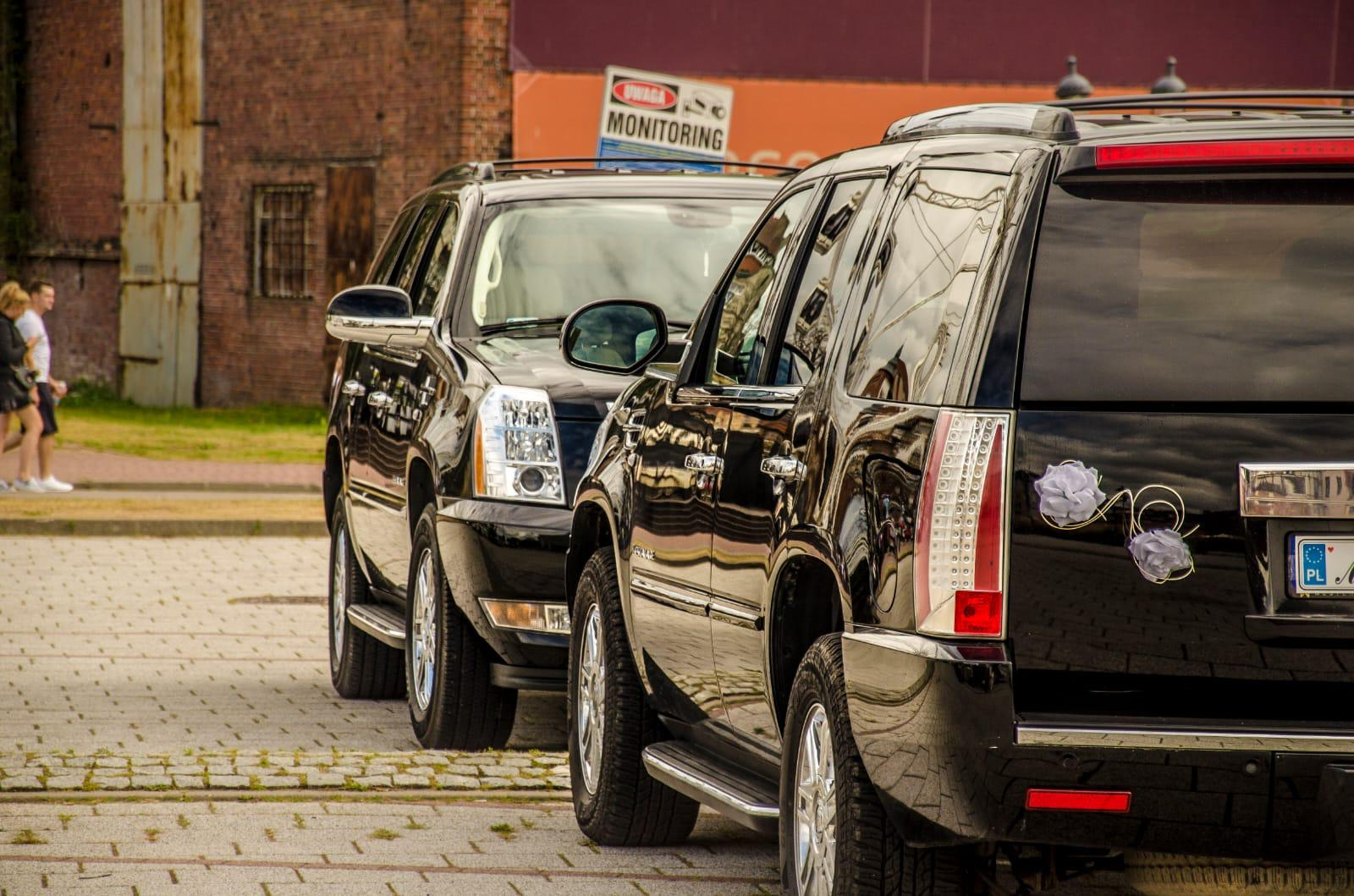 Car for wedding Cadillac Escalade Tricity Mestenza Rafał Grzebin